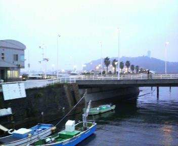 夕暮れ江ノ島